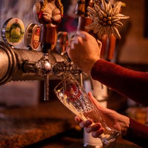 Copo para Cerveja Weiss Cristal Bier Importado Personalizado com Borda de Ouro